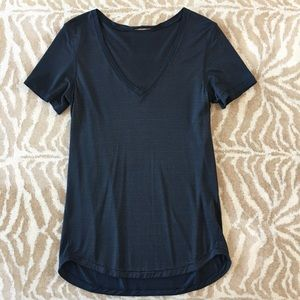 Lululemon Black Metallic Tech Tee V-neck 8/M